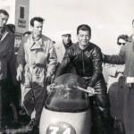 """""""Reims 1955, Agostini 1° classe 350"""" Piero e Duilio nella squadra corse Moto Guzzi"""